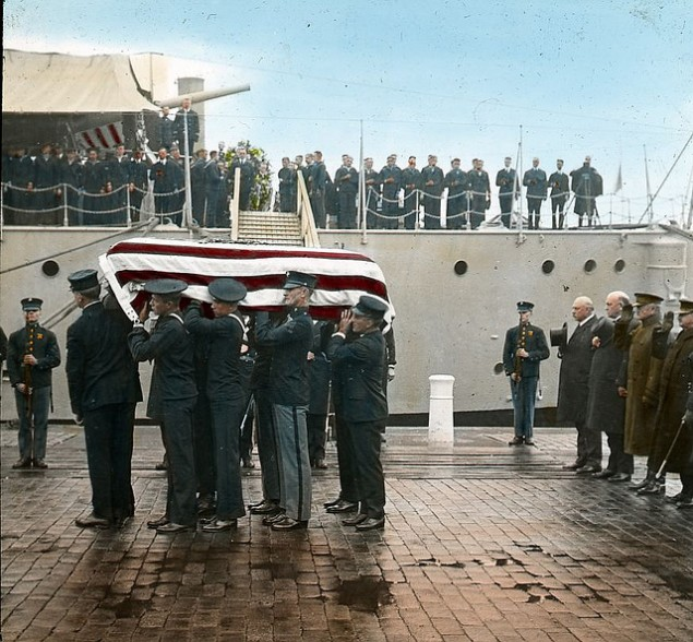 Unknown Soldier from World War I being taken from the USS Olympia at the Washington Navy Yard and transported to the US Capitol to lay in state (DC Public Commons)